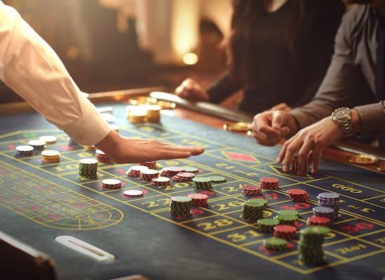 Auto roulette vs Live dealer roulette